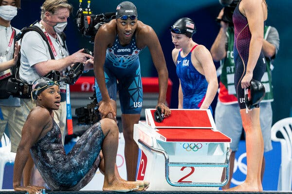 Simone Manuel and Natalie Hinds of the U.S. after the race.